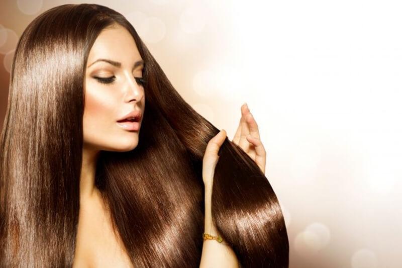 女子が髪の毛を早く伸ばす方法