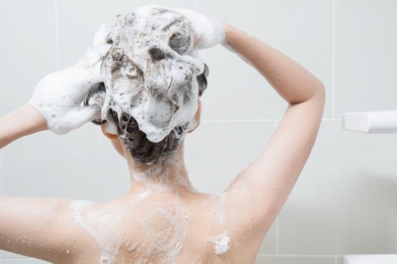 育毛シャンプー女性