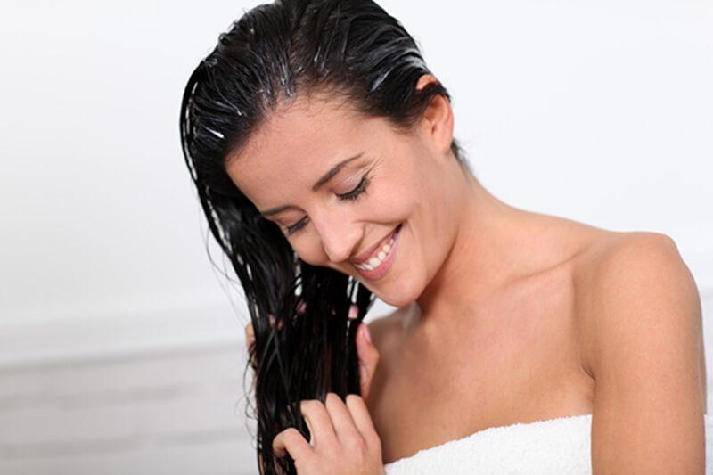 髪の毛のパサパサを改善するトリートメント