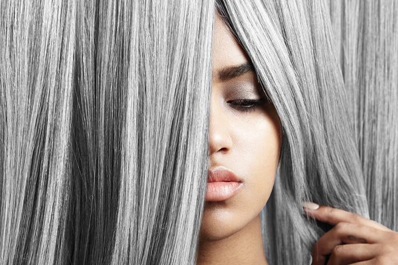 髪の毛の脱色方法