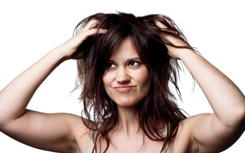 髪の毛ボサボサを直す方法