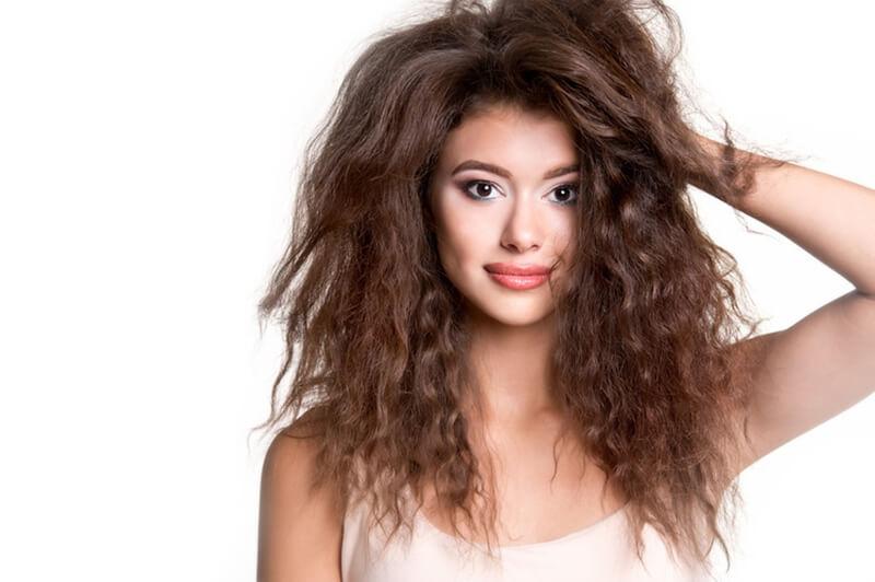 髪の毛が広がる原因