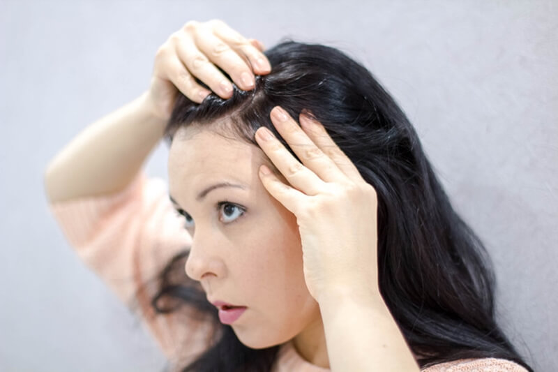 頭皮のできものから膿や汁が出る