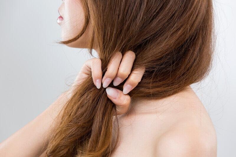 髪が傷みやすい原因